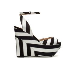 Black-and-white wedge. Crisp and chic:)