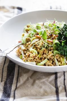 Warm Farro Salad with Roasted Veggies | A fast and effortless meal perfect for lunch boxes. |www.wildeorchard.co.uk
