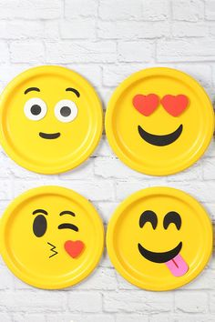 Have students create an emjoi that describes them and write about why they chose that emoji. Contains directions to create a cute emoji bulletin board!