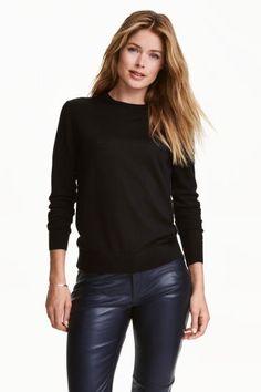 Sweter z wełny merynosowej: JAKOŚĆ PREMIUM. Cienki sweter z wełny merynosowej z długim rękawem.