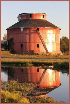Round barn in Missouri