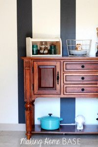 Wall-Stripes-for-dining