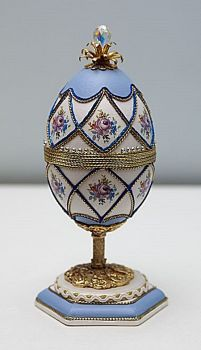 Egg Crafts, Easter Crafts, Faberge Eier, Decoupage On Canvas, Fabrege Eggs, Incredible Eggs, Egg Shell Art, Carved Eggs, Grenade