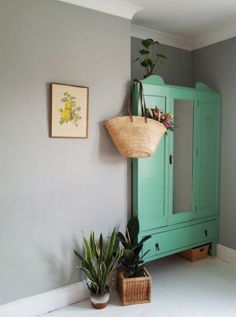 Handmade Kitchens Kent And Essex Shabby Vintage, Shabby Chic, Mint Decor, Art Deco Home, Vintage Interiors, Bedroom Layouts, New Room, Decoration, Painted Furniture