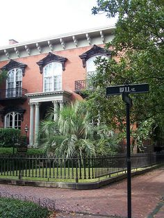 """house in Savannah, Georgia featured in the movie """"Midnight in the Garden of Good and Evil"""""""