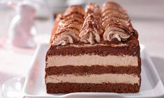 Schoko-Nougat-Schnitten Rezept   Dr. Oetker Chocolate Butter, Chocolate Muffins, Chocolate Recipes, Gourmet Desserts, No Bake Desserts, Dessert Recipes, Nougat Torte, German Baking, Tasty Bakery