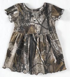 camo baby stuff - not for me but Conde sure would like to put our baby in something like this! Lol