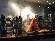 www.retailstorewindows.com: H, London