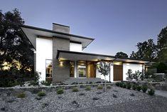 Courtyard House • DNA Architects Contemporary Beach House, Courtyard House, Custom Built Homes, Architect House, Home Builders, Facade, Architecture Design, Brick, Modern Design