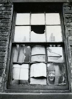 In the slums, Liverpool, U.K 1955. Photo by Thurston Hopkins. °