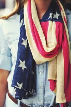 chambray shirt + white jeans + flag scarf