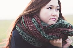 The knitting is easy, although almost all the techniques may be new to most knitters. This is a super cozy, oversized cowl that will shelter you from the fiercest of storms. The double garter stitch pattern is worked on every one of its 52 rows. The two selvage ends are joined together in an intriguing and attractive double bind-off similar to three-needle bind-off.