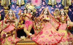 To view Radha Gopinath Lalita Vishakha Wallpaper of ISKCON Chowpatty in difference sizes visit - http://harekrishnawallpapers.com/sri-sri-radha-gopinath-lalita-vishakha-wallpaper-010/