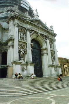 Santa Maria della Salute, Venice, Italy www.stephentravels.com/top5/entryways