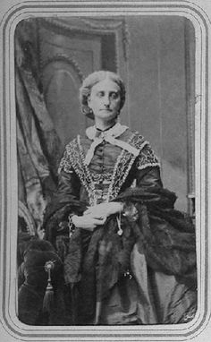 Marie-Caroline de Bourbon-Siciles, duchesse d'Aumale (1822-1869), en buste by ? (Musée Condé - Chantilly France) | Grand Ladies | gogm