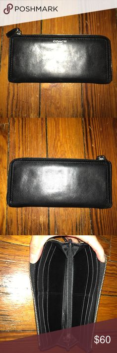 Coach Wallet Coach Black Wallet - 8 credit card w/ coin holders, zippered USED Coach Bags Wallets