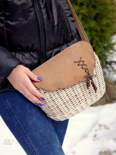 творчество.   ВКонтакте Sisal, Willow Weaving, Embroidery Bags, Weave Styles, Weaving Projects, Barn Quilts, Weaving Techniques, Handmade Bags, Holidays And Events