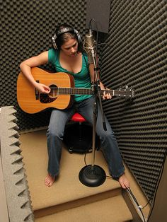 The ultimate home recording studio equipment site. Great deals and huge selection of home recording studio equipment. Home Studio Setup, Music Studio Room, Studio Gear, Dream Studio, Home Recording Studio Equipment, Music Recording Studio, Recording Studio Design, Office Music, Acoustic Design