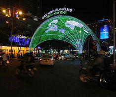 Beautiful Christmas Lights Around the World: Vietnam......maybe some day....