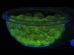 spooky Halloween ideas for glow in the dark effects with blacklights
