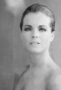 #RomySchneider by #JeanPierreBonnotte summer 1968 -- #Portrait