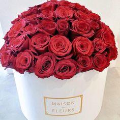 Red roses. Maison Des Fleurs flower arrangement.