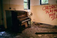 Discover Glen Jean School in Oak Hill, West Virginia: An abandoned school with a mysterious history. Abandoned Buildings, Abandoned Places, Point Pleasant West Virginia, Don Mclean, Oak Hill, Haunted Places, Old School, Mystery, Road Trip