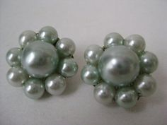 Green Cluster Earrings Clip Pastel Vintage by vintagejewelryalcove, $6.50