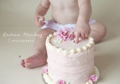 Cake Smash Ideas and Advice from Andrea Mackey Photography :: Inspire Me Baby