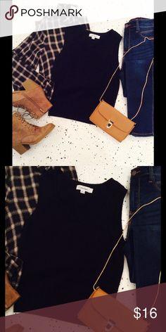 Chic sweater vest Classic black crewneck sweater vest! No flaws Calvin Klein Sweaters Crew & Scoop Necks