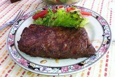 Roastbeef vom Holzkohlegrill Steak, Food, Roast Beef, Crickets, Food And Drinks, Cooking, Essen, Steaks, Meals