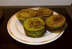Gluteenittomat pinaattiletut Vegan Vegetarian, Vegetarian Recipes, Food Inspiration, Zucchini, Pancakes, Gluten Free, Homemade, Vegetables, Cooking