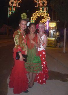 Feria de Utrera, our interns are dressed up  http://www.spain-internship.com/en/our-services/trips-a-parties