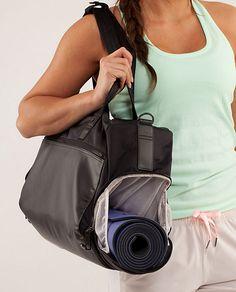 ac9c1820b588 Lulu Lemon Yoga On The Run Duffel  lululemon  fitness  thinspiration Yoga  Bag