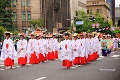 花傘巡行 祇園祭 京都の街を巡る華やかな巡行