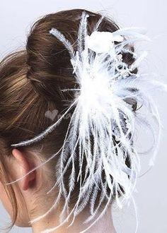 Bijoux cheveux mariage plumes