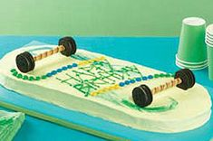 Make a cool dessert your kids will love with this awesome Skateboard Cake. The 20 minute prep time of this Skateboard Cake makes it anything but a grind. Chocolate Bonbon, Chocolate Roll Cake, Harry Birthday, Boy Birthday, Birthday Cakes, Birthday Parties, Kraft Recipes, Cake Recipes, Kid Recipes