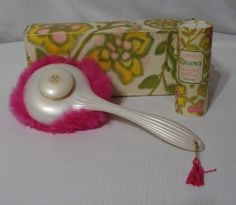 Vintage-Avon-60s-Fluff-Puff-w-Box-NOS-Dispenser-Regence-Perfumed-Talc