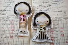 Created stuffed versions of my Mindy Lacefield sketches. Dolls And Daydreams, Cool Art, Awesome Art, Pintura Country, Clay Figures, Softies, Art Dolls, Primitive, Doll Clothes
