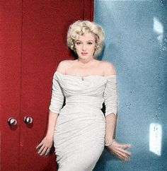 Marilyn Monroe colorize sasha065     I love her! repin if you love her too!