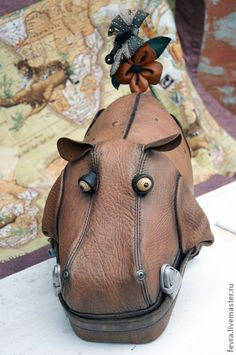 Leather Art, Leather Design, Leather Purses, Leather Handbags, Creative Bag, Novelty Bags, Animal Bag, Leather Diy Crafts, Beaded Bags