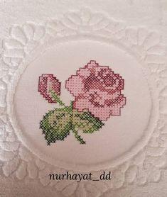 Cross Stitch Flowers, Cross Stitch Patterns, Baby Knitting Patterns, Old Things, Elsa, Margarita, Cross Stitch Embroidery, Hairstyle Man, Cross Stitch Designs