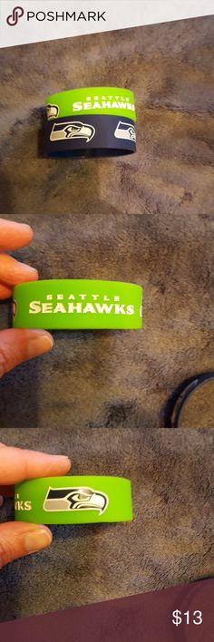 Bracelet set Seattle Seahawks bracelet set. Seattle Seahawks Accessories Jewelry
