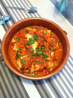 échalote, tomate, vin blanc sec, concentré de tomate, huile d'olive, beurre, ail, lotte, cognac
