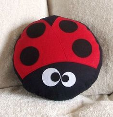 """Say Hello to this Lil Lady! """"Lady"""" The LadyBug Pillow. She's the latest addition to the BedBuggs Pillow Collection. ~Lady Just loves to. Cute Pillows, Diy Pillows, Decorative Pillows, Throw Pillows, Felt Crafts, Diy And Crafts, Sewing Crafts, Sewing Projects, Felt Pillow"""