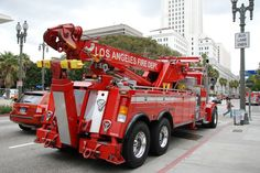 LOS ANGELES FIRE DEPARTMENT (LAFD) HEAVY RESCUE TRUCK