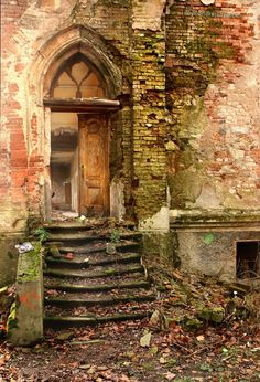 Abandoned Castle, Czech Republic. More photos from this place: http://www.ondrejzapletal.cz/location.php?locationID=10032&lang=en