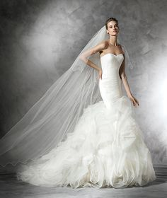 Pronovias wedding dresses are renowned for their classic silhouettes and touches of timeless glamour. As one of Pronovias Premier Stockists, Anya Bridal have a fantastic collection of wedding gowns for you to choose from. Wedding Dresses Size 14, Popular Wedding Dresses, Tulle Wedding, Bridal Wedding Dresses, Wedding Dress Styles, Mermaid Wedding, Organza Bridal, Sparkle Wedding, Elegant Wedding