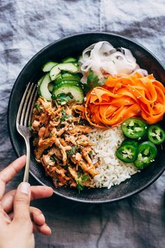 Crispy pressure cookerchicken banh mi bowls! The chicken is quickly cooked in the pressure cooker and then we crisp it up under the broiler and serve it with rice, pickled veggies and sriracha mayo! It is so so good! Banh mi bowlin'. The crispy chicken obsession of 2017 continues. Remember when we made those crispy …