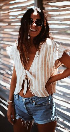 Summer spring fashion style denim jeans hair beach outfits